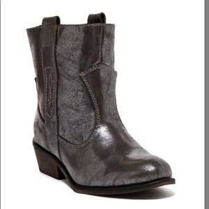Charles by Charles David Dapper Boots Size 9 GUC